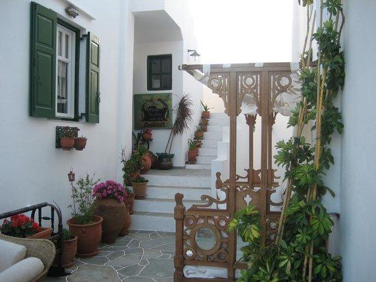 Villa Areto: Entrance
