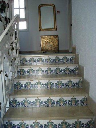 Hotel Residence Mahmoud: Stairs