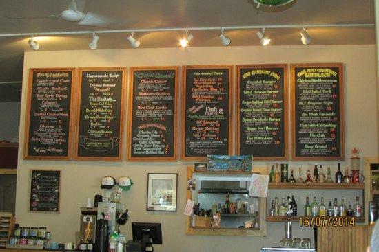 Coastal Kitchen: FRIENDLY AND SO COZY