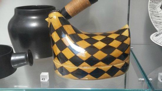 V&A  - Victoria and Albert Museum : Danish Egg holder