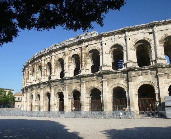 Arènes de Nîmes : Arena