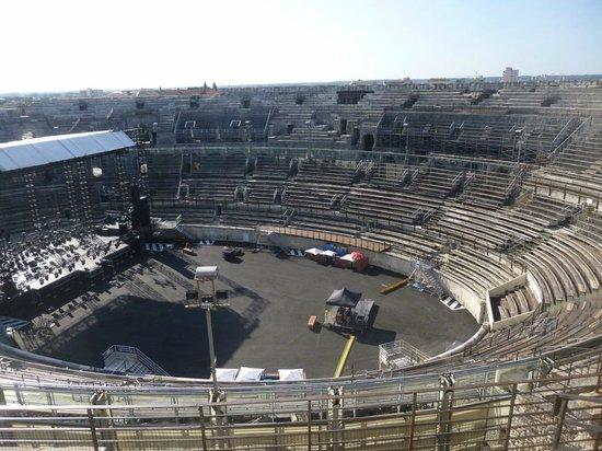 Arènes de Nîmes : Side view of Arena