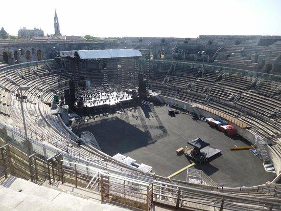 Arènes de Nîmes : Concert Preparations