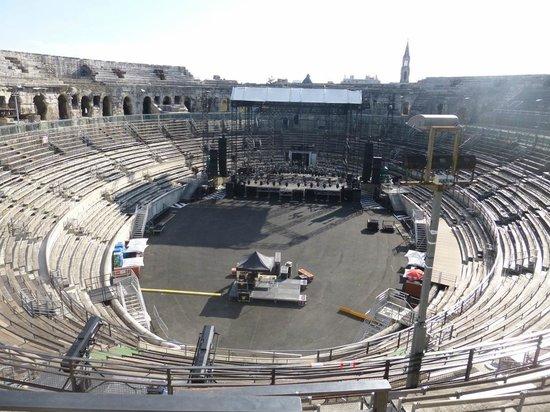 Arènes de Nîmes : Arena and Stage