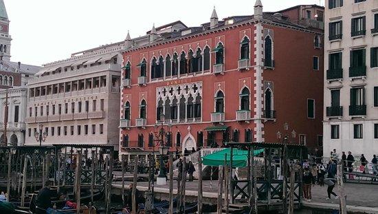Hotel Danieli, A Luxury Collection Hotel : schon von aussen sehr beeindruckend
