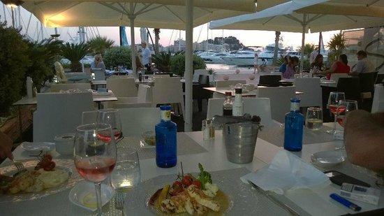 Sharme Restaurant Lounge bar : Relax