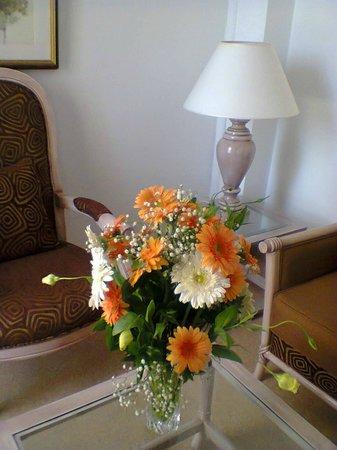 Hasdrubal Thalassa & Spa: fleurs dans la chambre