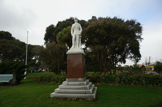 Invercargill Cenotaph: Cenotaph