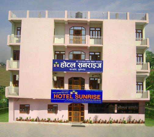 Hotel Sunrise: hotel building