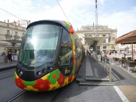 Place de la Comedie: Convenient Trams