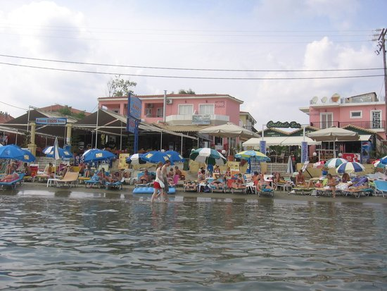 Tasos Taverna: Restaurant uit het water genomen