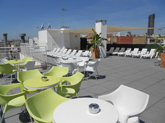 Hotel Becquer: Terrasse