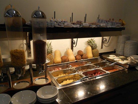 Hotel Becquer : petit déjeuner buffet