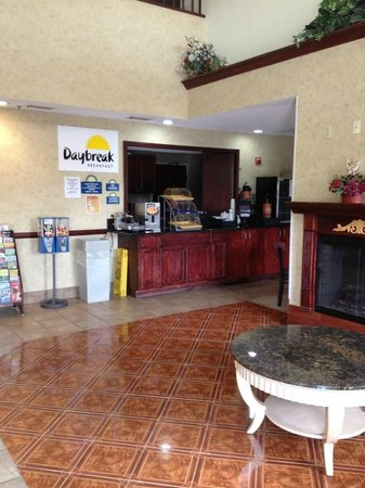 Days Inn Norton VA: Breakfast DayBreak area