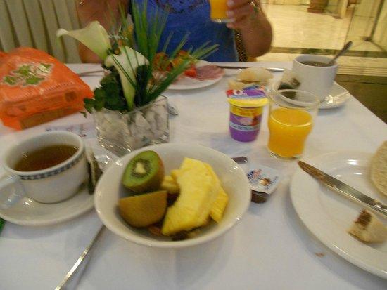 Hotel Becquer : petit déjeuner