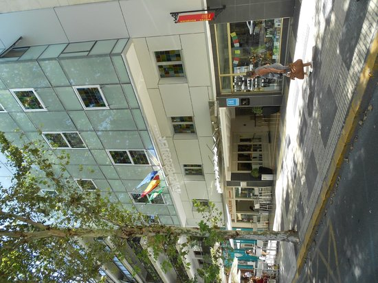 Hotel Becquer : Façade de l'hôtel