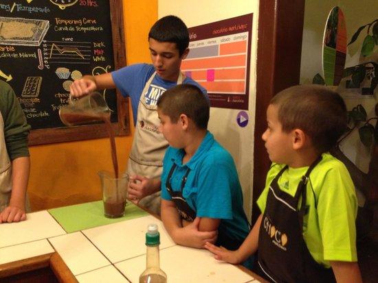 Choco Museo: mixing Mayan hot chocolate