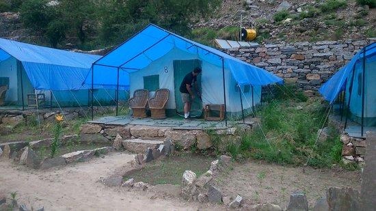 Kinner Camp Sangla : tent