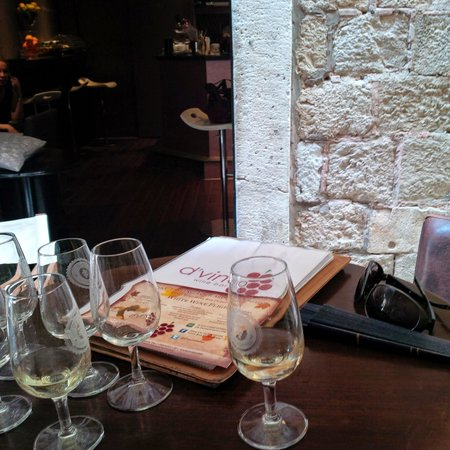 D'vino Wine Bar : wine tasting