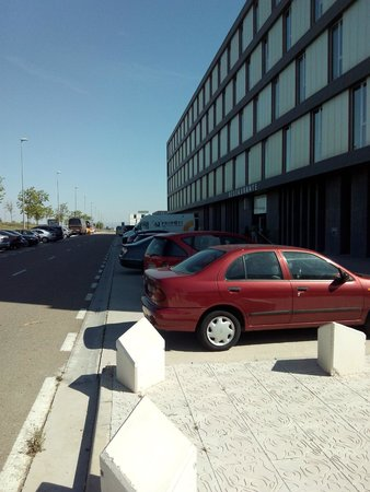 Hotel Diagonal Plaza: Vista da rua