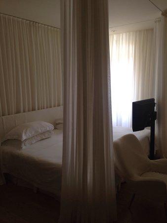 Continentale : Bedroom prestige, over looking river Arno