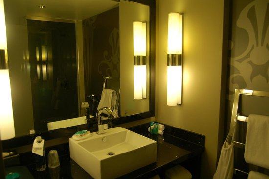 W Atlanta Midtown: Salle de bain