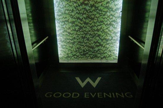 W Atlanta Midtown: Elevator