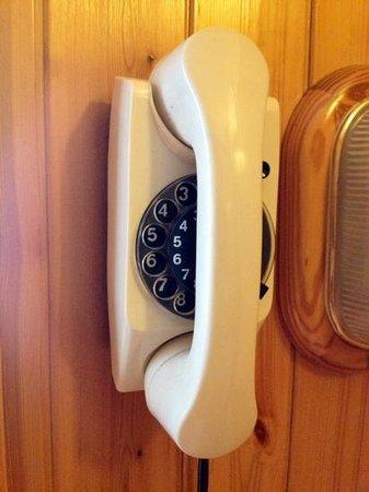 Hotel Federia: Retro-Telefon mit Wählscheibe :)