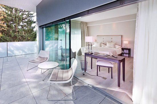 Hostellerie Le Petit Manoir : Chambre