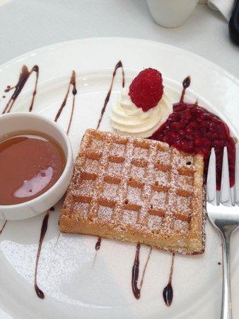 Maximilian Hotel: Waffles