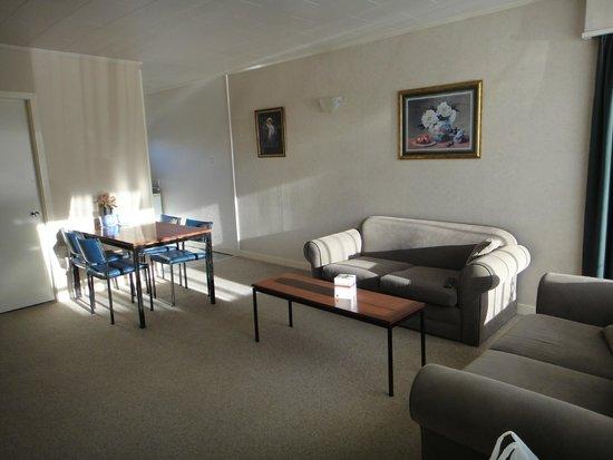 Aorangi Motel: lounge
