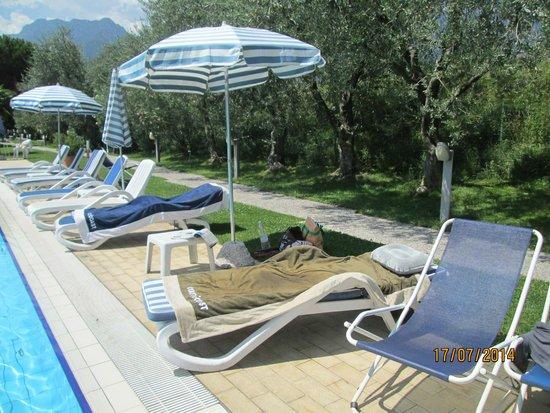 Piccolo Mondo Hotel: bordo piscina
