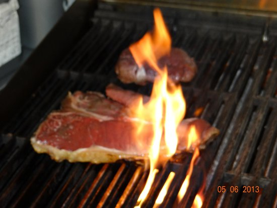 Jamieson's Steakhouse: Staks on the chargrill