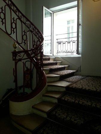 Montpensier: Stairs