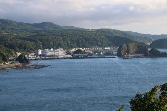 Puyuni Misaki: 岬からウトロを望む