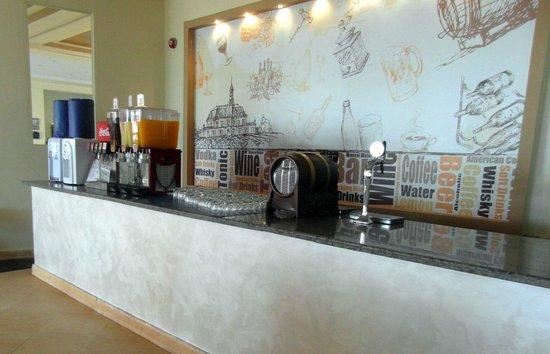 The Three Corners Sea Beach Resort : Restaurant - buffet