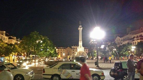 HF Fenix Lisboa: Piazza dell'hotel