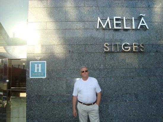 Melia Sitges: Парадный вход