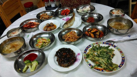 Gung Tourist Hotel: 飯店早餐
