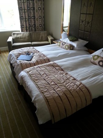 The Plough Inn: comfortable bed room