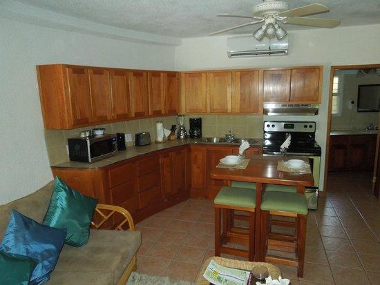Xanadu Island Resort: Kitchen area