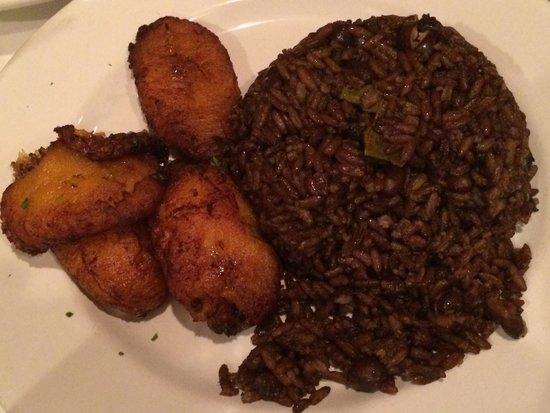 La Rosa : Moro and fried platano!