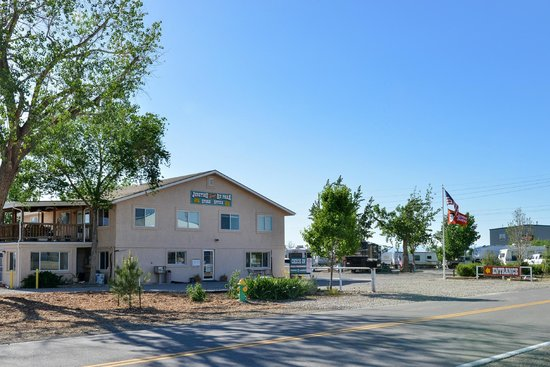 Welcome to Cruise Inn- Junction West RV Park
