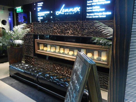Lennox Hotel Buenos Aires: Corredor dos elevadores