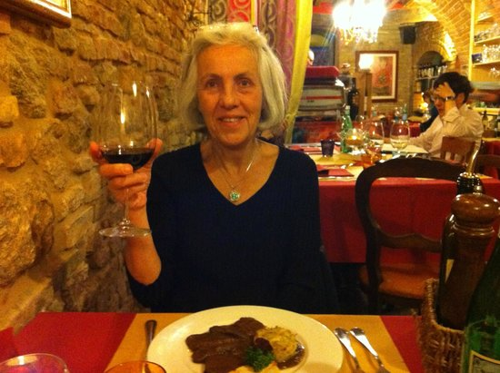 Cum Quibus: I enjoyed the braised Tuscan beef in Brunella di Montalcino with artichoke and smoked cheese pie