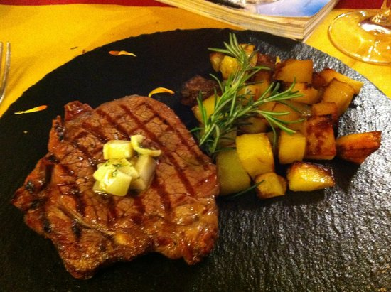 Cum Quibus: A delicious choice, steak with aromatic lard