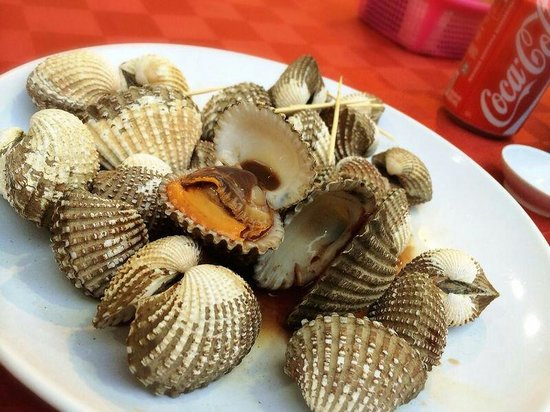 Suang Tain Seafood Restaurant: Boiled huge clam. Notneverytime this is avaliable... depends on season n luck