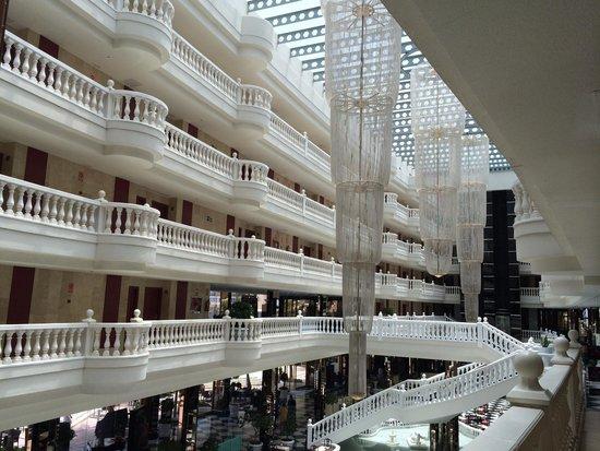 Cleopatra Palace Hotel: El hall del hotel