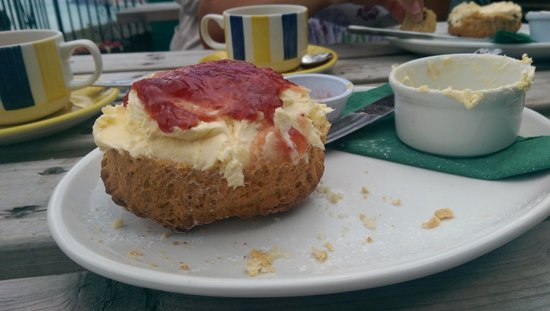 Cliff Top Cafe: Cream Tea of Kings