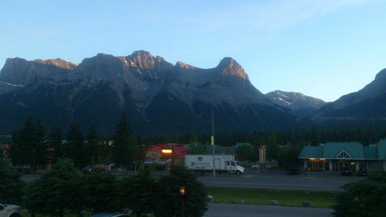 Days Inn Canmore : View from the room